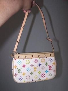 Ugh, where's my fake Louis Vuitton bag? Vintage Purses, Vintage Bags, Vintage Handbags, Vintage Shoes, Unique Purses, Cute Purses, Luxury Purses, Luxury Bags, Cute Handbags