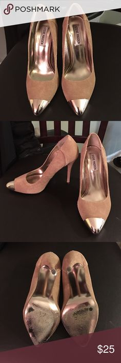 Steve Madden Cappy Pumps!!! Steve Madden pointy toe pump!! The metallic cap adds toe adds a touch of glam to this suede pump!! Steve Madden Shoes Heels