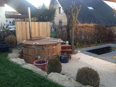 Thermowood Deluxe Hot Tub with inside heater, Peter, Rodersdorf, Schweiz Garden Ideas Uk, Tubs For Sale, Hot Tub Backyard, Plunge Pool, Landscape Plans, Pool Landscaping, Garden Planning, Gardening Tips, Firewood