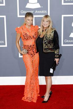 Fergie takes her mom to the Grammy Awards