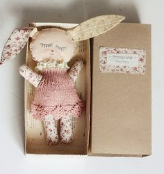 Eco-pink Sleepy Bunny | Flickr - Photo Sharing! Coelho, Fabric Dolls, Softies, Art Dolls, Animal Crackers, Soft Sculpture, Bunnies, Poupon, Sewing Toys