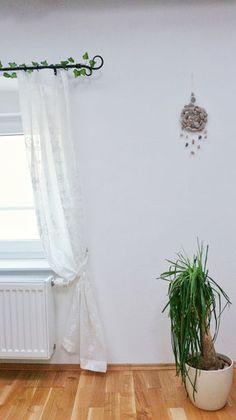 💭 Wie Minimalismus mein Leben verändert hat.... .... Tipps zum Thema Minimalismus 🌱 Artikel gibt's auf meinem Blog ➡️ www.bin-da.at ⬅️ #minimalism #minimalismus #home #deco #plants #minimalismlife #change #blogpost #bindablogging #minimalistisch #minimalismlifestyle #minimalismusleben #simplelife #minimalismus_raumideen #minimalismhome #lifechanger #mariekondo #konmari #nurwasichmag #getorganized #magiccleaning #thenostufflife #tipps #hacks #backtonature #backtotheroots #nature… Back To Nature, Konmari, Hacks, Change, Curtains, Shower, Blog, Home Decor, Minimalist