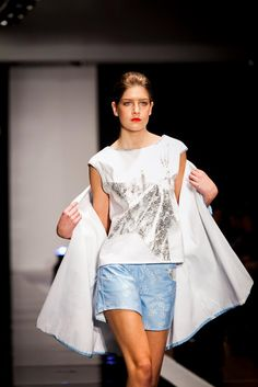 Pasarela GasteizOn, Marzo 2013. Bell Sleeves, Bell Sleeve Top, Stars, Women, Fashion, March, Walkway, Spring Summer, Feminine