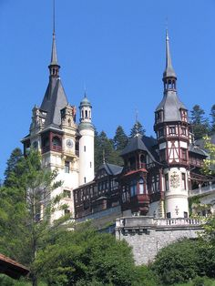 Neo-Renaissance jewel in the Carpathians, Peleș Castle in Sinaia, Romania (by Deejay Otto).