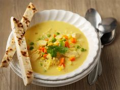 Keltainen broilerikeitto Cheeseburger Chowder, Hummus, Soup Recipes, Mashed Potatoes, Food And Drink, Dinner, Ethnic Recipes, Sweet, Koti