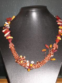Handcrafted Necklace in Copper wire with Mookite Gemstones.
