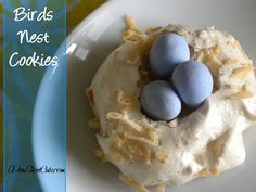 Today Amanda has a creative way to use Easter Jelly beans (or Cadbury Eggs) to make a super cute and tasty dessert. Birds Nest Cookies are fun to look at,…Read Yummy Treats, Sweet Treats, Yummy Food, Yummy Recipes, Free Recipes, Easter Treats, Easter Food, Hoppy Easter, Easter Dinner