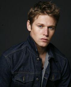 Zach Roerig, est un acteur américain né le 22 février1985 à Montpelier dans l'Ohio.
