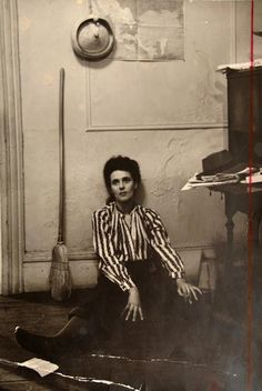 Photos Of Leonora Carrington/Fotos de Leonora