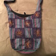 Hobo bag Cloth hobo style purse, with flower embroidery and button clasp Bags Hobos