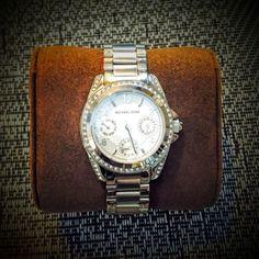 Brand-New-Ladies-Michael-Kors-Ladies-Chronograph-Watch-In-Box-w-Warranty