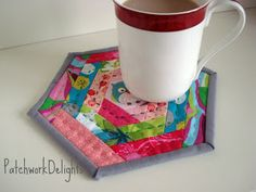 PatchworkDelights : A hexie mug rug