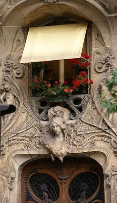 Paris apartment - The architecture of the arrondissement includes the classic Parisian homes with wrought iron balconies and long lovely windows, as well as some amazing Art Nouveau architecture Beautiful Architecture, Beautiful Buildings, Art And Architecture, Architecture Details, Beautiful Places, Art Nouveau Arquitectura, Magic Places, Art Deco, Belle Villa