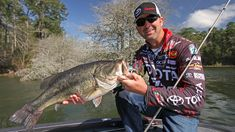 When and How to Fish a Wacky Rig for Bass - Wired2fish - Scout