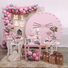 Check beautiful decorating ideas for birthday party, suggestions for topics, tutorials and step by step to plan your! Birthday Decorations, Baby Shower Decorations, Birthday Party Themes, Decoration Party, Kitten Party, Cat Party, Little Box, Cat Birthday, Paris Birthday