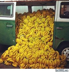 Banana Market/Art Market by Paulo Nazareth via thezoom: In this interactive installation during Art Basel Miami, the artist sold bananas out of this VW MInibus. #Banana_Market #Paulo_Nazareth #thezoom