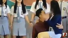 Heboh! Video Adegan Tidak Pantas Ala Sinetron di Acara Pelepasan Pelajar SMA