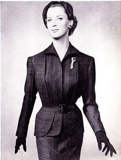 1954 Paquin