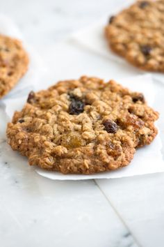 This oatmeal raisin cookie recipe makes cookies that are soft in the middle, a little chewy on the outside and full of warm flavors like cinnamon and vanilla. From inspiredtaste.net | @inspiredtaste