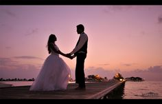 maldives wedding pose..oh god yes! If this happened to me I think if faint. Maldives are my fairy tale!