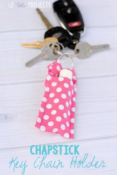 Easy Keychain Chapstick Holder Pattern – Crazy Little Projects - Easy Sewing Projects 2020 Diy Projects To Make And Sell, Easy Sewing Projects, Sewing Projects For Beginners, Sewing Hacks, Sewing Tutorials, Sewing Crafts, Sell Diy, Diy Crafts, Fall Crafts