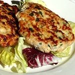 Spice up your dinner with these Spicy Thai Chicken Burgers. Less than 2g Net Carbs each!