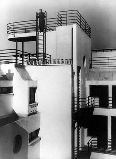 "25 Avenue de Versailles, Paris.The upper storeys and roof deck seen from the rear courtyard. Designers Jean Ginsberg and Berthold Lubetkin, 1931. via Ernst Bloch, ""Building in empty spaces"" (1959)"