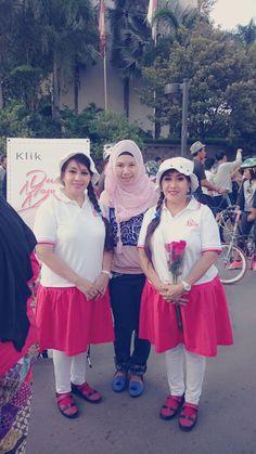 Keep Spitit For Dua Mawar Merah (Ibu Guru kembar yg cantik)  untuk Indonesia. I PROUD YOU