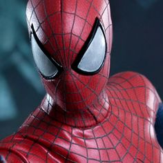 Marvel Spider-Man Sixth Scale Figure by Hot Toys $229.99  (Click on picture links to see more pics, details, and to pre-order!)