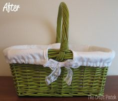 The Craft Patch: A Basket Makeover (draping instead of lots of measuring; also see http://www.diymaven.com/2011/10/17/how-to-make-a-project-runway-basket-liner/)