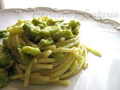 Spaghetti con macco di fave fresche è un piatto tipico della cucina siciliana {giallozafferano}