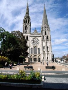 Chartes Cathedral, France -- you can see this cathedral for miles as you drive toward Chartres Oh The Places You'll Go, Places To Travel, Places To Visit, Medieval Town, Medieval Art, Visit France, Chapelle, Place Of Worship, Romanesque