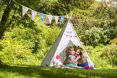 Outdoor kids teepee from www.izabelapeters.com
