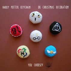 Finally I created my collection of Harry Potter. Six keychain: Harry, Edvige, Platform 9 Hogwarts, the Golden Snitch and the Deathly Ha. Harry Potter Keychain or Christmas Decoration Crochet Keychain Pattern, Crochet Pillow Pattern, Crochet Patterns, Crochet Gifts, Crochet Toys, Harry Potter Keychain, Harry Potter Christmas Decorations, Harry Potter Crochet, Crochet Pillow Cases