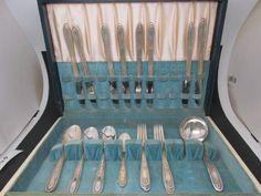 shopgoodwill.com: Lot of 26 Silver Glastonbury Silverware w/ Case