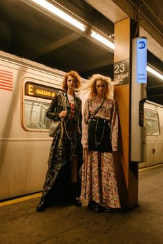 From New York with love for Elle girl Russia New York Subway, Nyc Subway, Fashion Photography Inspiration, Editorial Photography, Street Photography, Dope Fashion, Fashion Outfits, Urban Lifestyle, Style Photoshoot