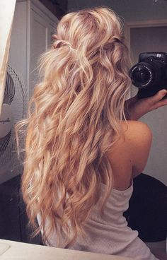 When you have straight hair, you dream of perfect curls like this!