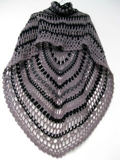 Crochet Shawl with collar http://omakoppa.blogspot.fr/