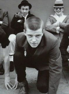 File under brush cut: Suggs of the band Madness in the early Vintage Mens Haircuts, Flat Top Haircut, Brush Cut, Wave Rock, Ivy League Style, Band Photography, Teddy Boys, Big Crush, Skinhead