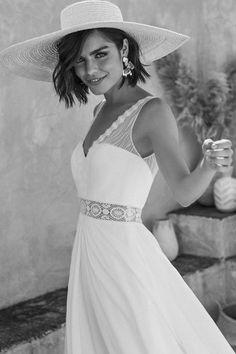 Marylise Brautkleider One fine day - Marylise wedding dresses 2020 dresses dresses Evening Dresses For Weddings, Best Wedding Dresses, Bridal Dresses, Lace Mermaid Wedding Dress, Mermaid Dresses, Honeymoon Dress, Backless Wedding, Lace Wedding, Wedding Rustic