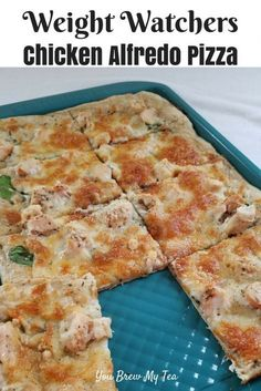 Make our Weight Watchers FreeStyle Recipe for Skinny Chicken Alfredo Pizza! This is so easy, delicious, and kid-friendly! A perfect Weight Watchers pizza recipe!