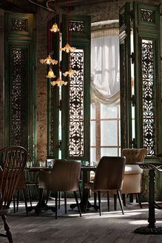 It's difficult to imagine eating out in Moscow before Russian restaurateur Andrei Dellos came along and lured us into gastronomic extravagance. Now, the man behind the citys iconic Pushkin Café shows no signs of faltering with the recent opening of hi. Chinese Interior, Italian Interior Design, Asian Interior, Restaurant Interior Design, Design Hotel, Georgian Restaurant, Restaurant Berlin, Oriental Restaurant, Luxury Restaurant