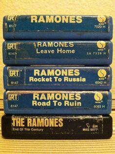 Ramones 8 Tack