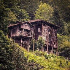 Lazian House Architecture, Rize ⛵ Eastern Blacksea Region of Turkey #karadeniz #doğukaradeniz #rize #woodenarchitecture