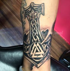 Thors Hammer Mjolnir Vikings Tattoos Viking Tattoos Und Norse