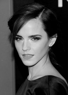 Emma Watson's hair & beauty: then vs now – Celebrities Woman Emma Love, Emma Watson Beautiful, Emma Watson Sexiest, My Emma, Emma Watson Daily, New Haircuts, British Actresses, Hermione Granger, Beautiful Actresses