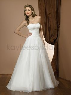 Organza Sweetheart Ruched Bodice Ball Gown Wedding Dress