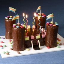 Recipe Château fort au chocolat (easy): Francine, recipe from Château fort … Happy Birthday Brother, My Son Birthday, Birthday Cake, Childrens Meals, Funny Cake, Easter Recipes, Birthday Recipes, Cooking With Kids, Creative Cakes