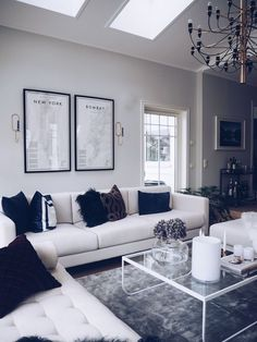 Table design, living room inspiration, home interior design, home deco, dig Living Room Grey, Home Living Room, Living Room Decor, Bedroom Decor, Black And Silver Living Room, Chic Living Room, Cozy Living, Home Interior, Interior Design Living Room