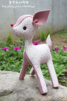 Doll making crafts] [Felt deer, deer, doll making :: Naver blog  --- I have to make this baby deer.